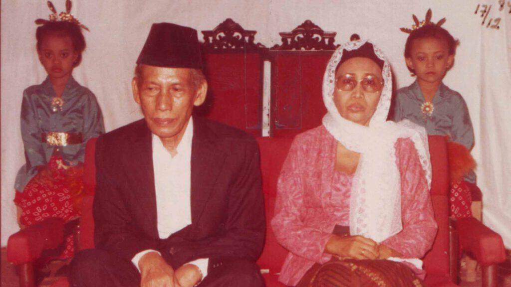 Pernikahan dan Rumah Tangga Muallif Sholawat Wahidiyah RA